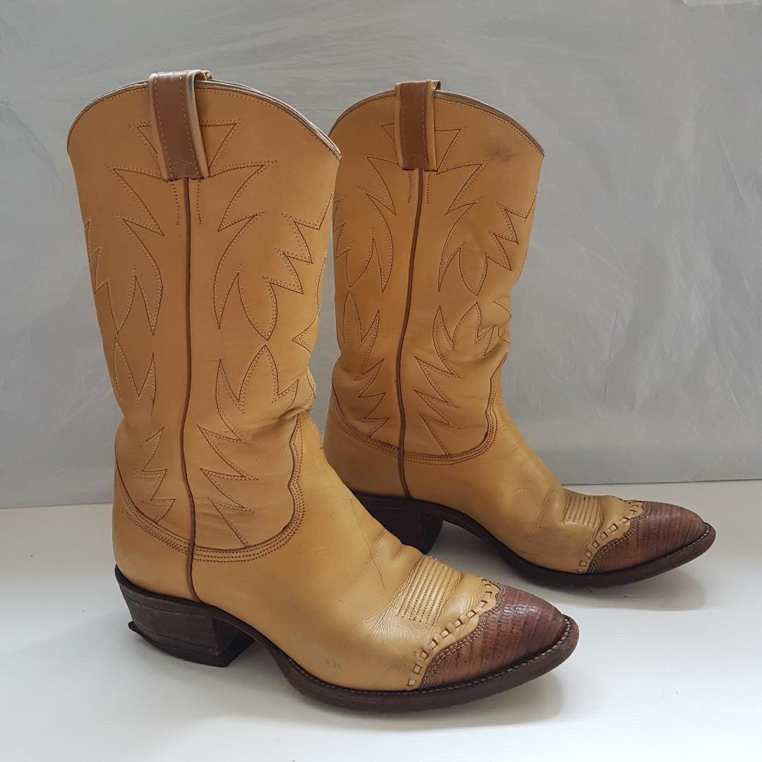 b098cdfbe9e Vintage Cowboy Boots, Retro Old Fashion, Rare Men Designer Western ...