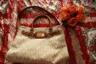MK Michael Kors Vanilla Hamilton Bag