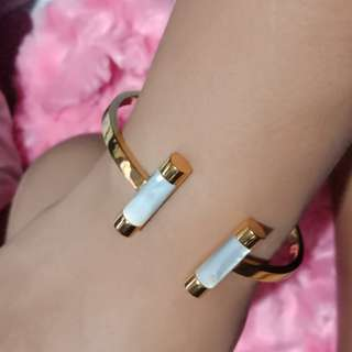 Repriced!!!Michael kors gold bangle bracelet