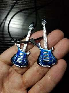 藍銀guitar鋼頸鏈連皮繩