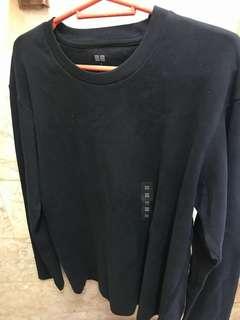 Uniqlo Black Long Sleeves Sweatshirt