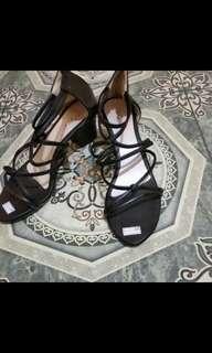 Sepatu tali