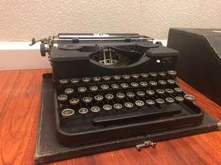 🚚 1930年 ROYAL打字機