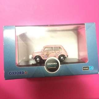 Oxford 粉紅車