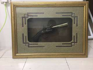 Frame Pistol Menteri Pertahanan