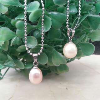 White Pearl Necklace (one pcs pearl)
