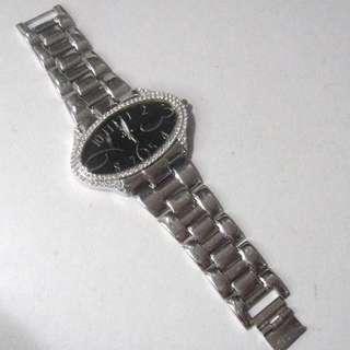 -勿壓價- S.K. TIME DIAMOND OPAL SHAPE WATCH QUARTZ FOR LADIES。時尚鑽石邊不全不鏽鋼石英錶