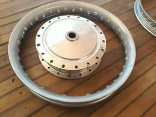"Hub and rim for mio size ""14"