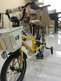Sepeda anak Ferrari scuderia