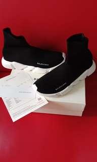 Dijual sepatu sneaker balenciaga speed runner
