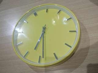 Ikea 鮮黃色掛牆鐘