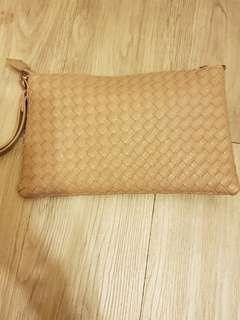 🚚 編織手拿包側背包