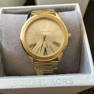 Simple but elegant Michael kors Watch😍💯