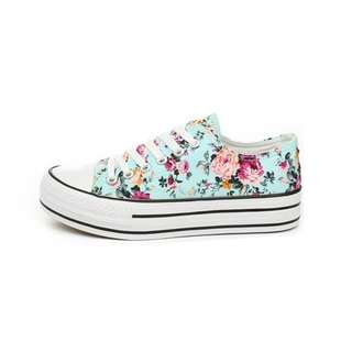 Floral Printed Shoes 🌙 #fashion75
