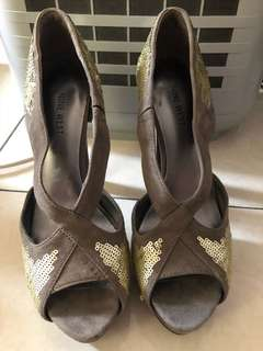 Ninewest beludru