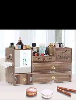 (PO] Brown makeup storage