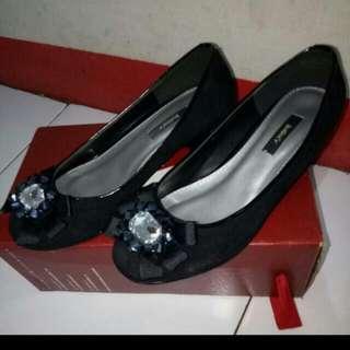 Sepatu Hitam BEST PRICE