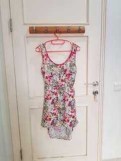 Dress Stradivarius Bunga