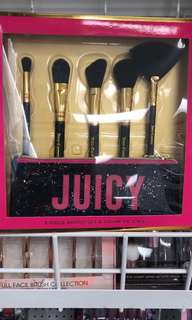 JUICY COUTURE BRUSH SET + POUCH