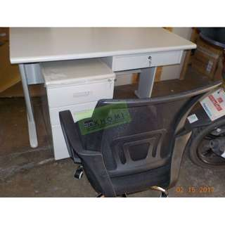 METAL LOCKER, MESH CHAIRS & OFFICE TABLES--KHOMI