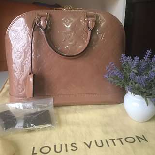 Louis Vuitton LV Alma PM Vernis