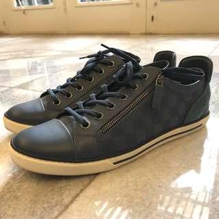 Louis Vuitton adventure zipped up sneakers