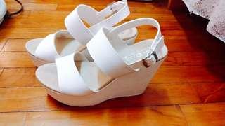 🚚 白色厚底高跟鞋