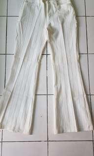 Celana panjang garis