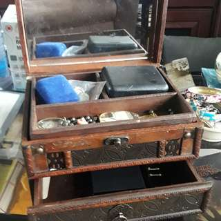 Wooden jewelry box 2 drawer with mirror