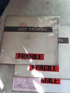 Vinyl Hot tracks