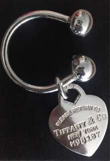 TIFFANY & CO HEART LOGO KEY RING