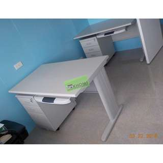 HW Table SET WITH KEYBOARD TRAY & MOBILE PEDESTAL CABINET