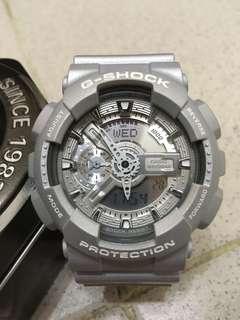 Casio Gshock 銀色手錶一隻