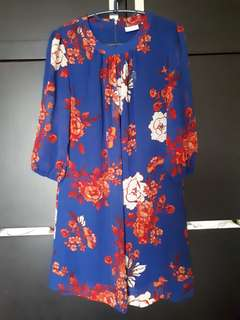 Dress bunga biru