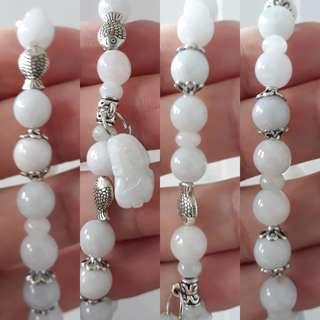 Jadeite bracelet (翡翠手链+貔貅)。