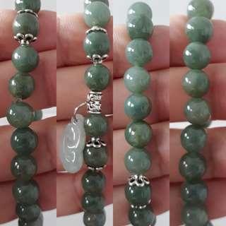 Jadeite bracelet (翡翠手链+如意)。