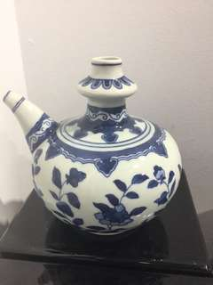 Ceramic blue/white oil container (6 inches height)