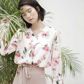 Ulzzang Offwhite floral top