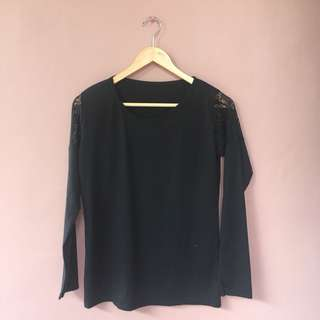 Black long sleeve brokat blouse