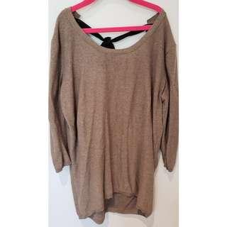 Aritzia T. Babaton Bailey Sweater in Taupe in XXS