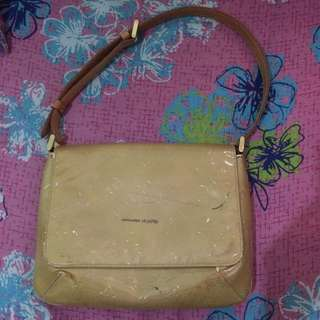 Authentic LV vernis Thompson