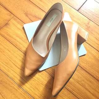 Ninishop 皮革粗跟尖頭鞋