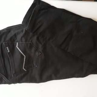 AUTHENTIC JAG BLACK JEANS