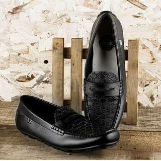 Sepatu pria slip on cocoes decano