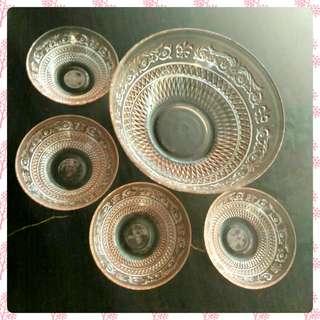 Vintage Trellis design bowls ( 1 big+4 small)