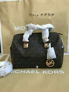 New Authentic Michael Kors Handle Bag