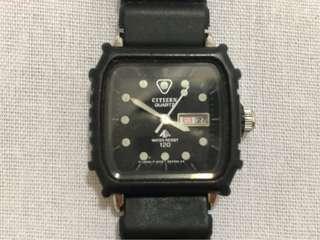 🚚 二手古董日本🇯🇵citizen夜光防水120m日期黑錶