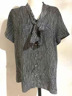 ❤️SALE❤️ Pattern Shirt by The Executive