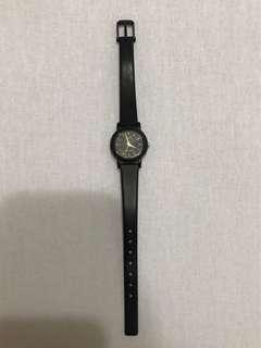 🚚 Casio 簡約黑錶