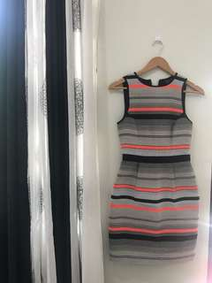 zara mango topshop f21 self portrait stradivarius dress top plain & prints warehouse m